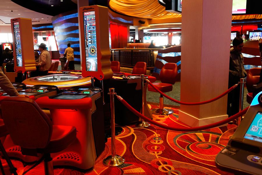 Crowd Control Posts and Accessories at Resorts World Casino in Queens, NY